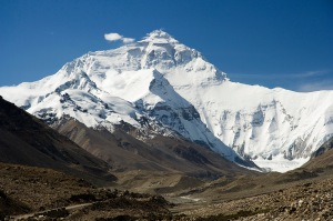 Everest North Face toward Base Camp Tibet Luca Galuzzi 2006 (via Creative Commons)