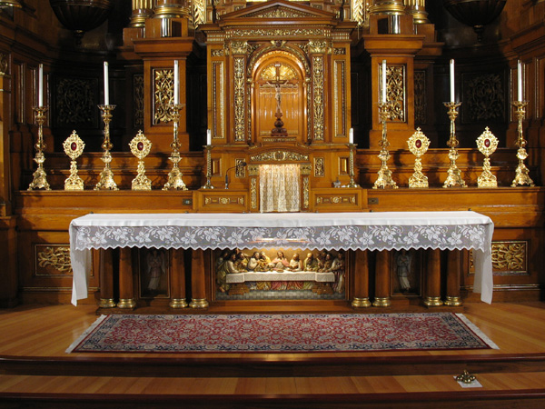 sanctuary-and-altar-03.jpg