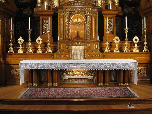 sanctuary-and-altar-03.jpg